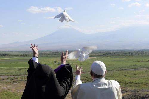 Papa Francesco in Armenia nel giugno 2016