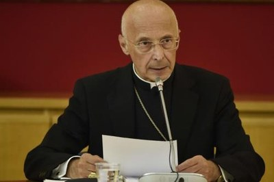 Il presidente della Cei, cardinale Angelo Bagnasco (foto tutte agenzia Siciliani)