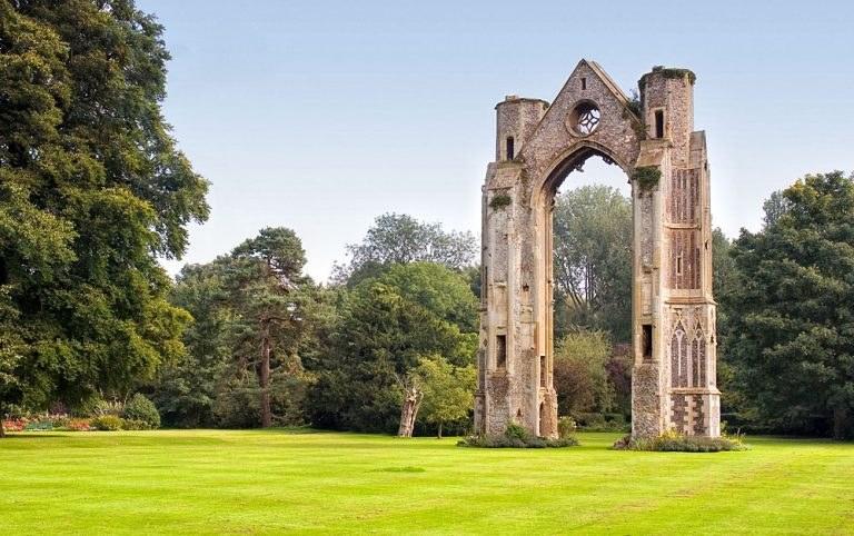 little-walsingham-abbey-768x482.jpg