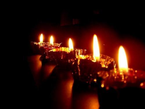 medium_sfondo-candela-natalizia-2.jpg
