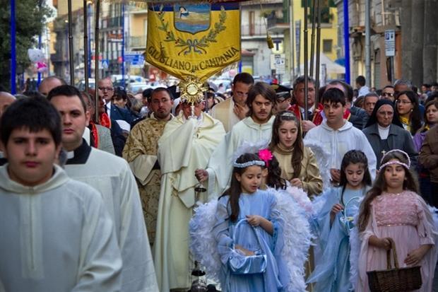 processione.jpg