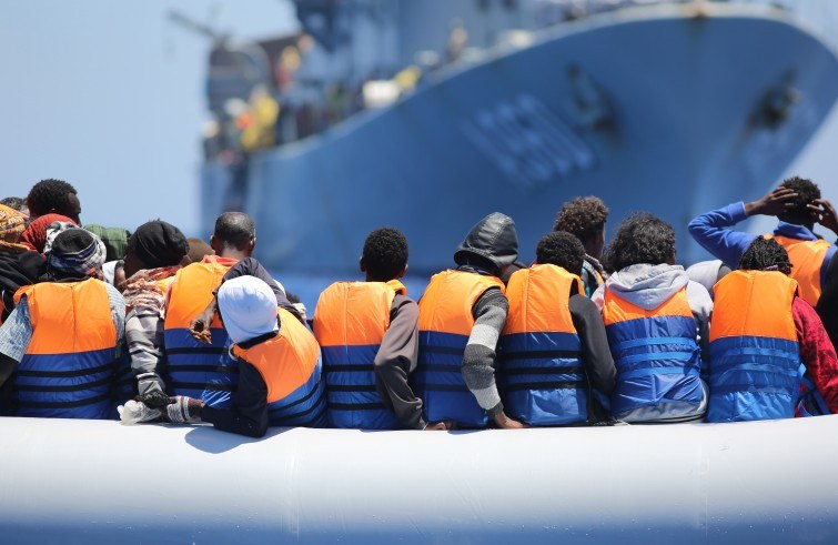 Rifugiati-salvataggi-in-mare-2-foto-Ue-755x491.jpg