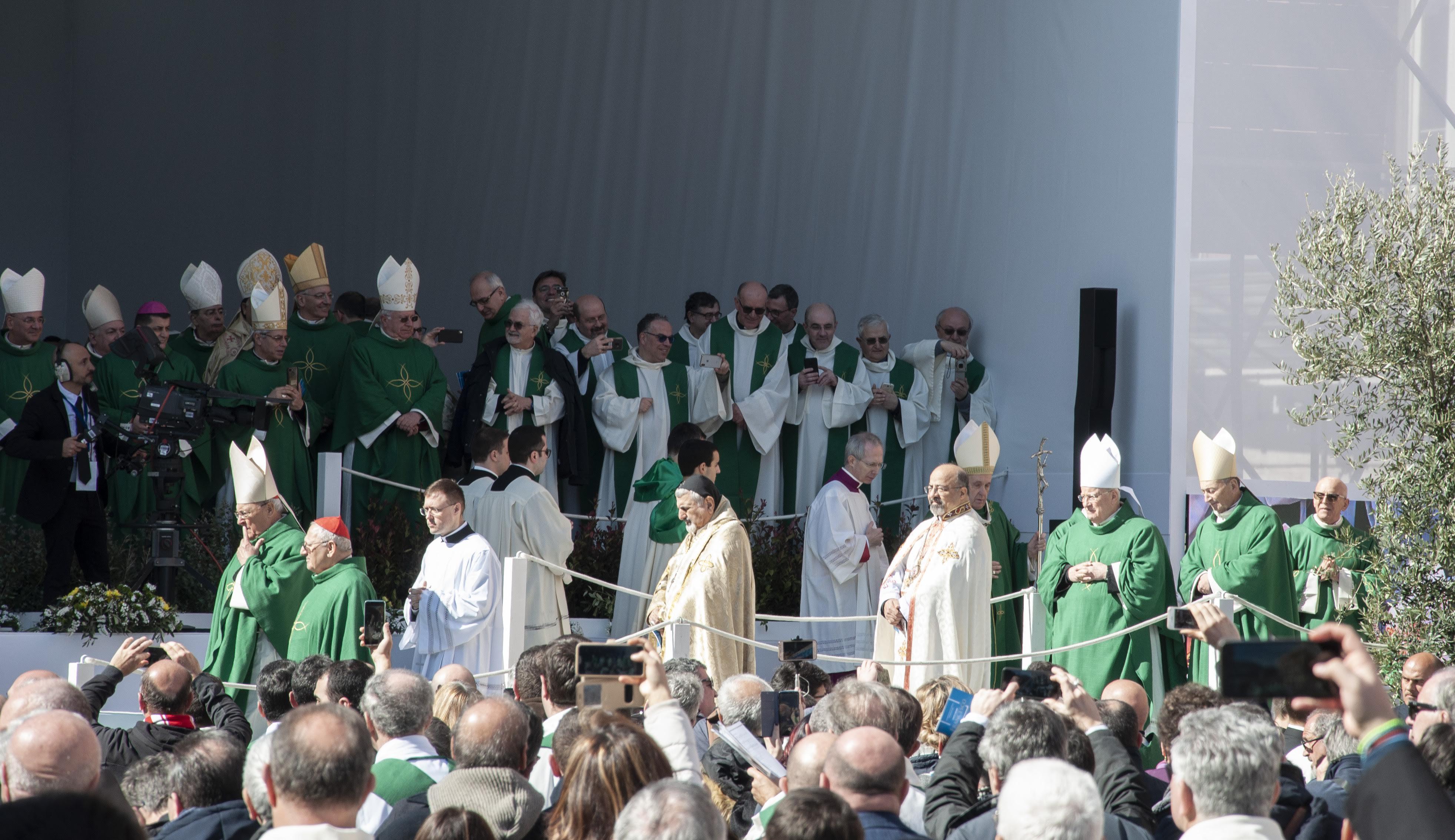 20200223 Bari Papa Francesco 100 (Copia di NXPowerLite).jpg