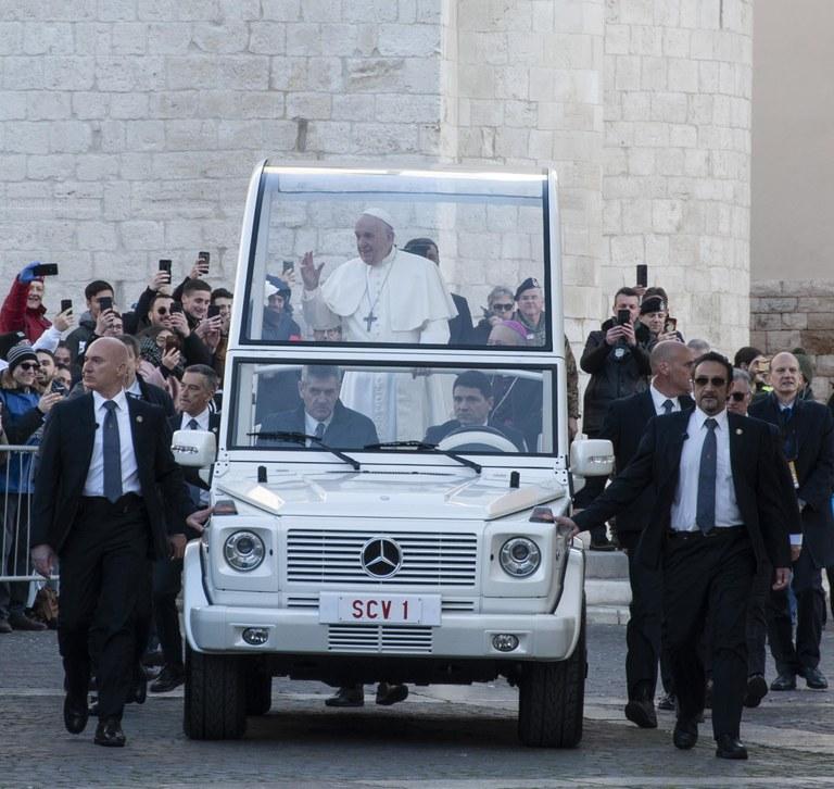 20200223 Bari Papa Francesco 12 (Copia di NXPowerLite).jpg