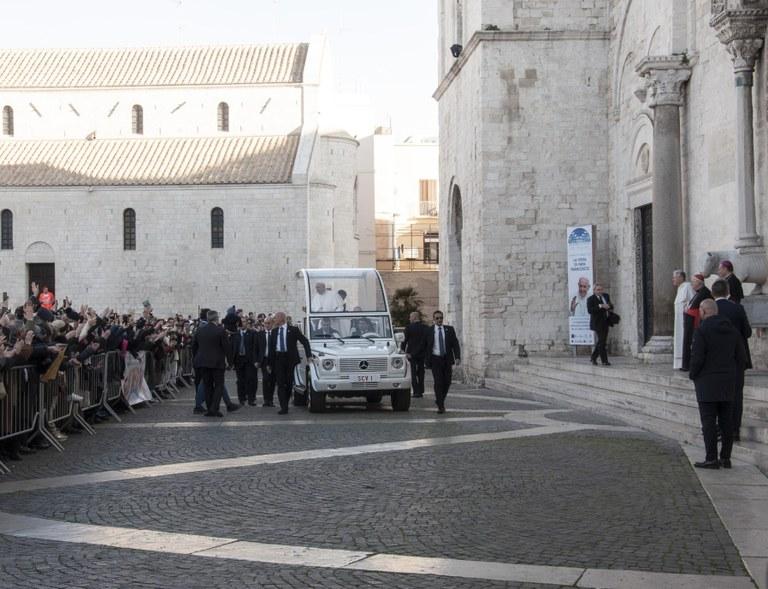 20200223 Bari Papa Francesco 14 (Copia di NXPowerLite).jpg