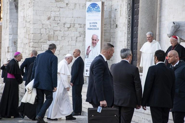 20200223 Bari Papa Francesco 16 (Copia di NXPowerLite).jpg